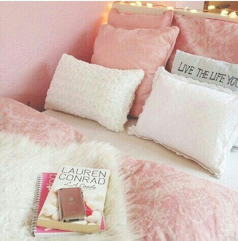 Ideas para decorar tu cama con cojines 41 curso de - Decorar cama con cojines ...