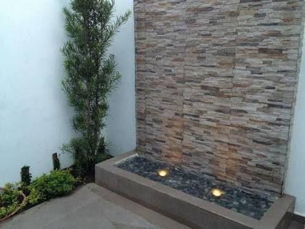 21 fantasticas maneras para incluir piedra laja en el for Como poner piedra en el patio