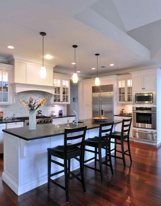 32-ideas-para-decorar-cocinas-en-blanco-y-negro-con-detalles-dorados (11)