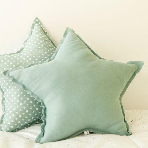 34 disenos de cojines decorativos para tu sala 20 for Disenos de cojines