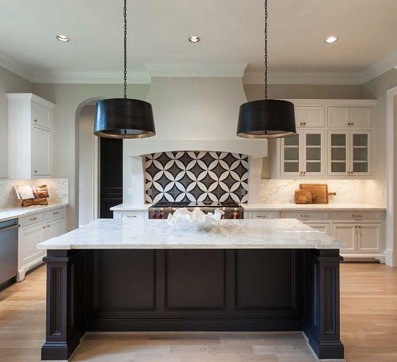 30 Awesome Kitchen Backsplash Ideas For Your Home 2017: 30-cocinas-y-comedores-elegantes-decoradas-con-blanco-y