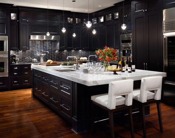 30 cocinas y comedores elegantes decoradas con blanco y - Cocinas decoradas en blanco ...