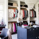 33 Candelabros para iluminar el closet de tus sueños