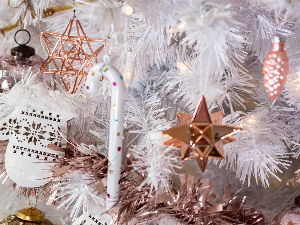 Decoraciones navide as 2017 en rose gold curso de for Decoracion del hogar navidena