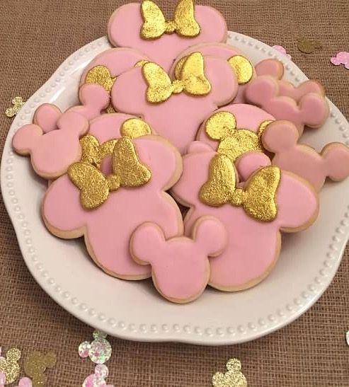 Fiesta infantil de minnie mouse rosa con dorado