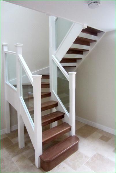 Ideas de escaleras para casas grandes y pequenas 18 for Escaleras pequenas para interiores