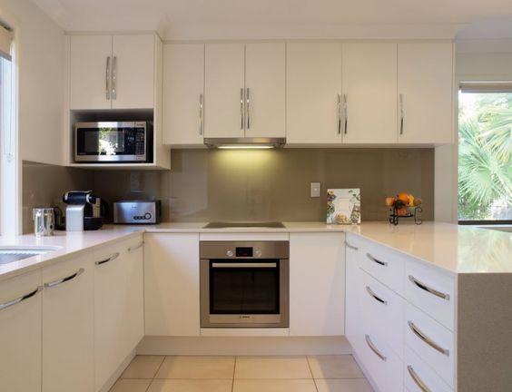 mira-estos-25-muebles-de-cocina-para-colocar-tu-microondas-11 ...