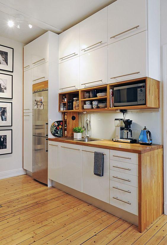 Mira estos 25 muebles de cocina para colocar tu microondas for Cocinas modernas blancas precios