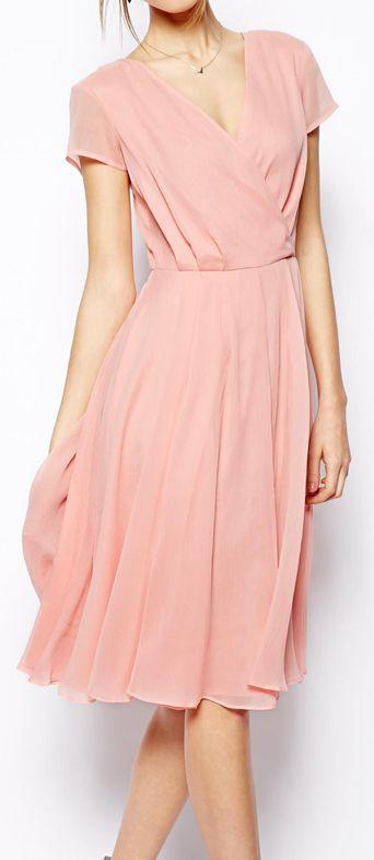 Vestidos color rosa ¡Dale un toque de color a tus días!