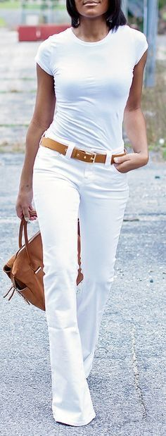 Ideas para combinar jeans blancos