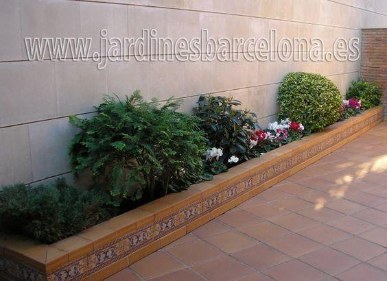 Jardineras que caben perfectamente en espacios pequenos for Decoracion patios pequenos exteriores