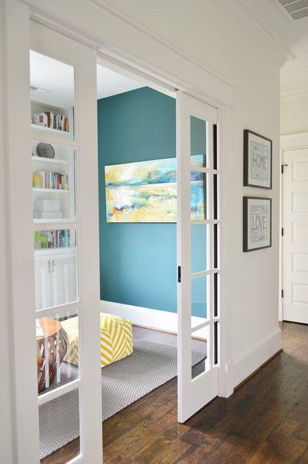 Puertas corredizas que se ver n perfectas en casas peque as for Puertas correderas que se esconden
