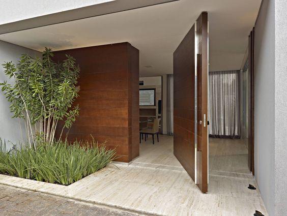 Puertas principales para casas modernas for Puertas principales exteriores