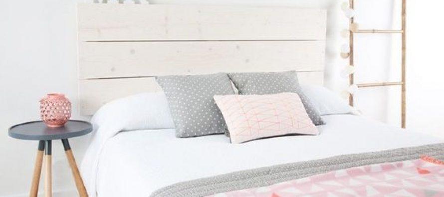 Cambia las bragas en la cama