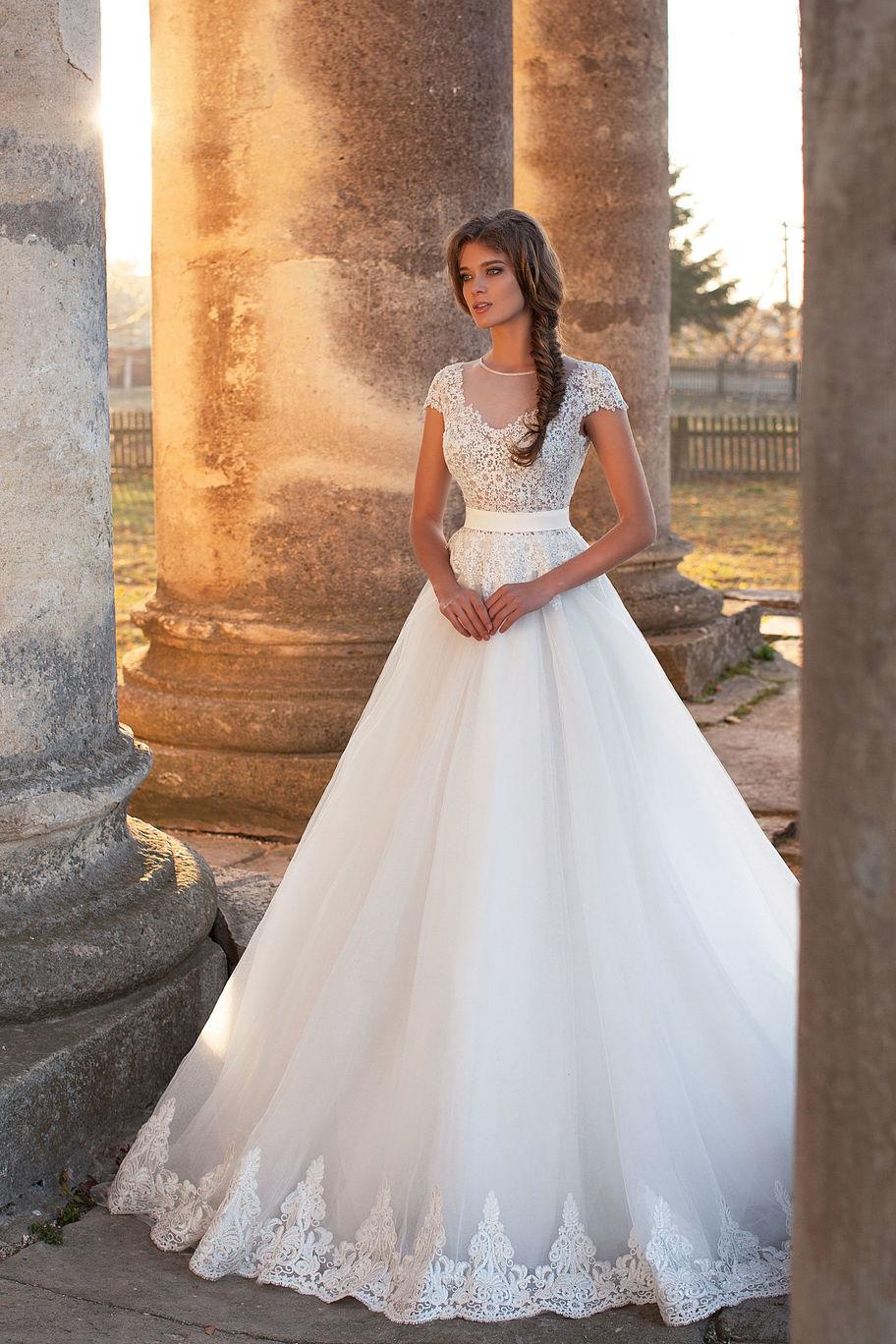 Colecci n 2017 2018 en vestidos de novia amar s todos for Novias originales 2017