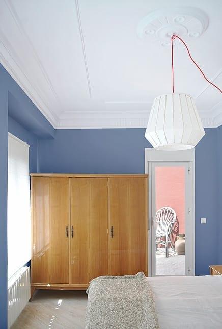 Antes y después de la remodelación de una habitación low cost