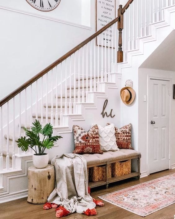 Como decorar una entrada con escaleras