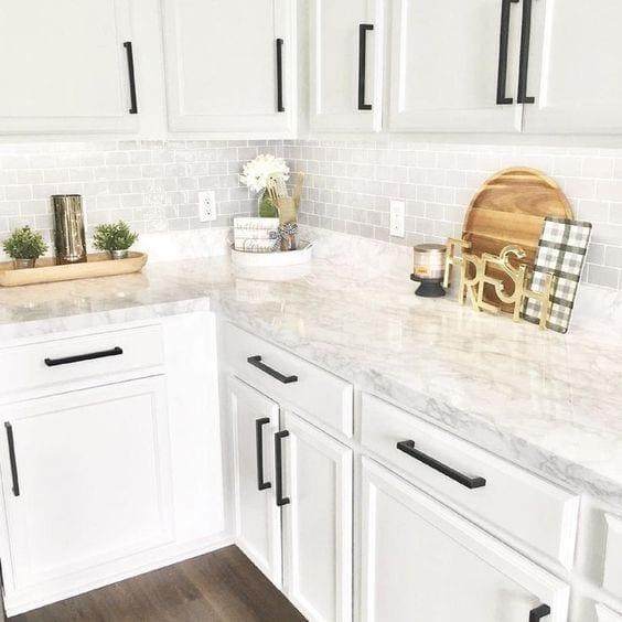 Decoración de cocinas integrales blancas