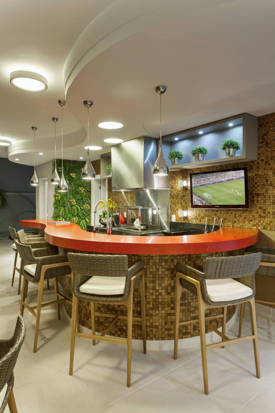 Disenos y decoracion de minibar en casa 2 curso de for Disenos para bares