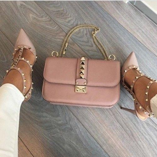 Zapatos rosa nude