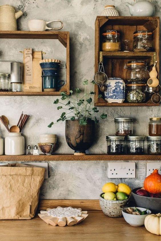 Estanterías recicladas para cocina