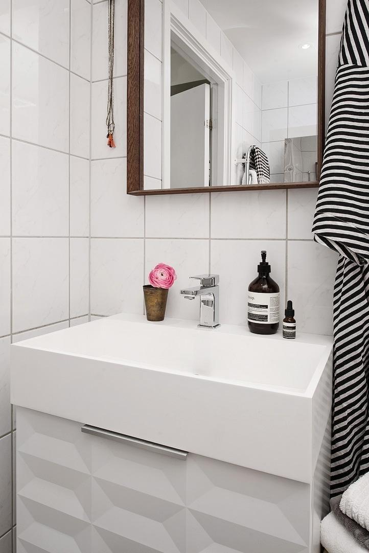 Ideas para iluminar un baño muy oscuro