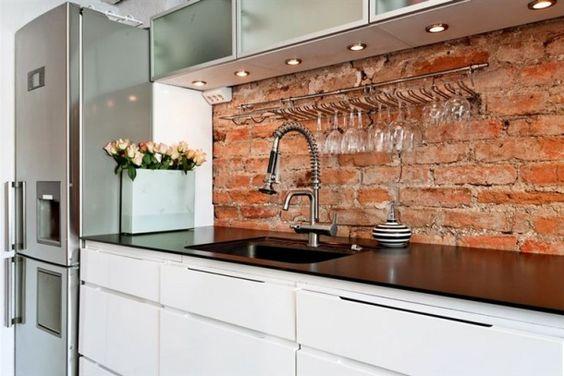 Revestimiento de ladrillo para una cocina chica for Revestimiento de ladrillo decorativo