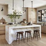 25 desayunadores modernos que te inspirarán a decorar tu cocina