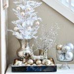 Decoración navideña 2017 en color blanco esferas
