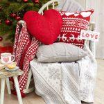 Decoraciones navideñas para tu hogar en color rojo silla mesedora