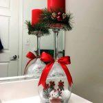 Decoraciones navideñas para tu hogar en color rojo centro de mesa con copa y vela