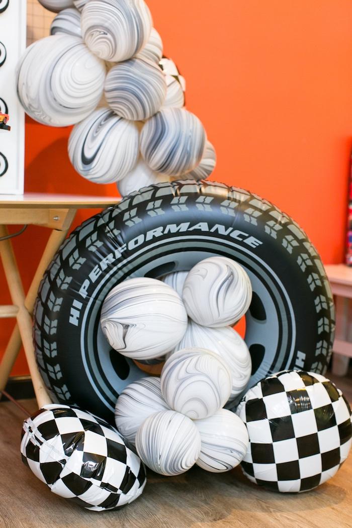 Globos de neumáticos para fiesta de cars