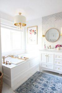 Ideas para baños decorados con color blanco
