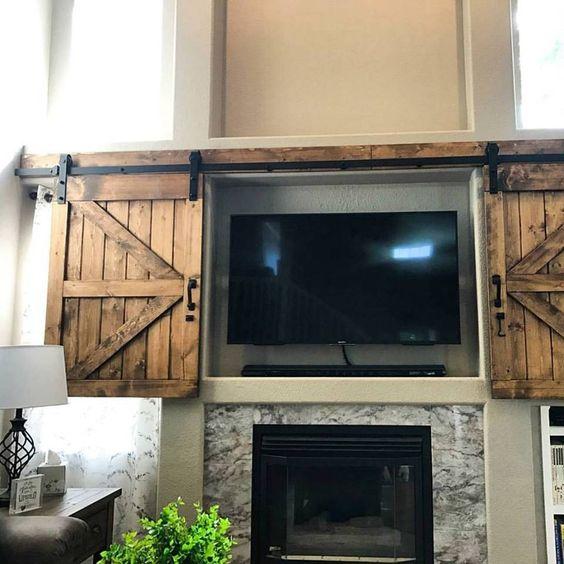 Puertas estilo granero para cubrir televisi n te encantar n for Puertas correderas estilo granero