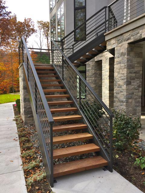 Escaleras de herreria curso de organizacion del hogar y for Escalera exterior de acero galvanizado precio