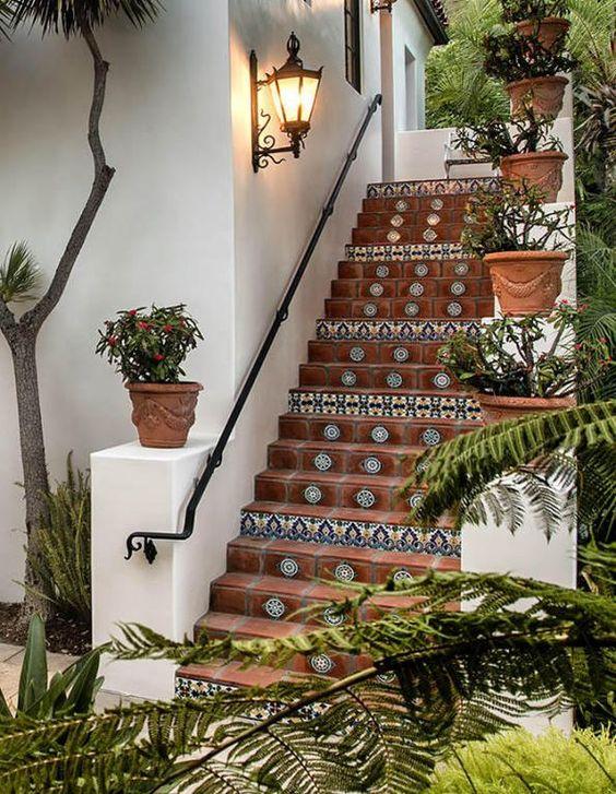 Escaleras exteriores modernas curso de organizacion del for Decoraciones para gradas