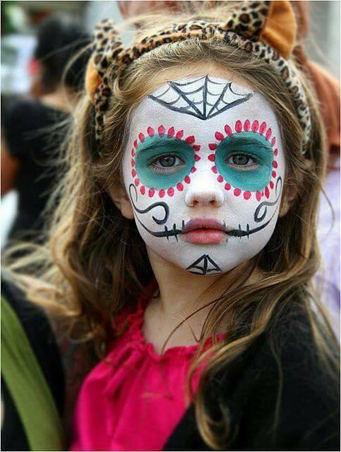 Maquillaje de catrina de niña