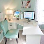 Oficina en casa con estilo moderno