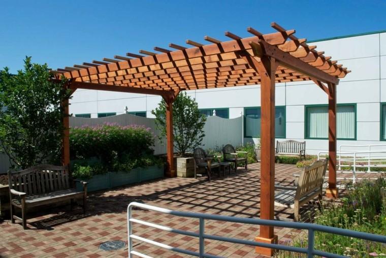 Pergolas de madera para jardines for Jardines de madera