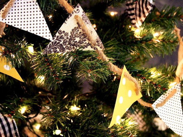 Guirnaldas para decorar el árbol de navidad