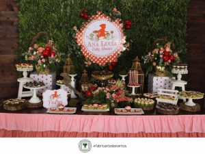 Decoracion para un Baby Shower de Nina en color Rojo (11)
