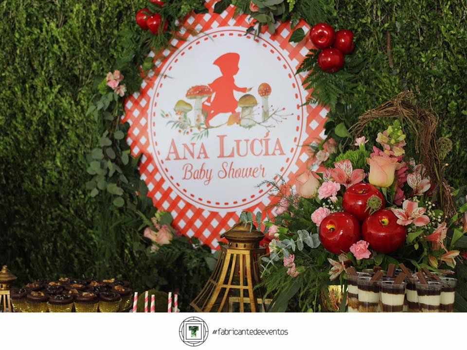 Decoracion para un Baby Shower de Nina en color Rojo (14)