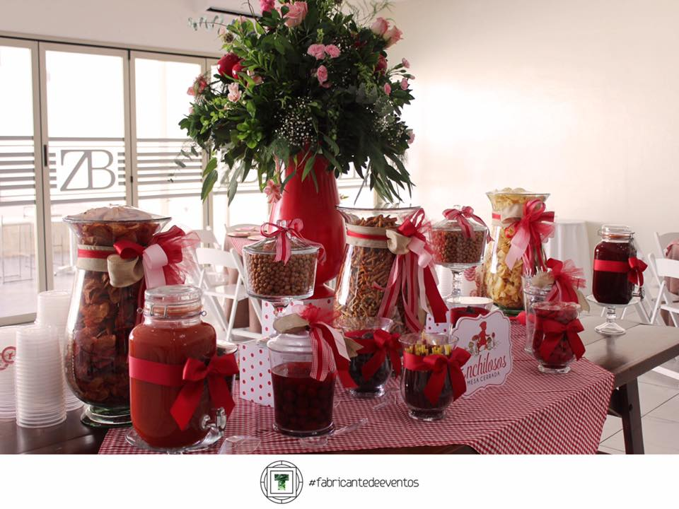 Decoracion para un Baby Shower de Nina en color Rojo (3)