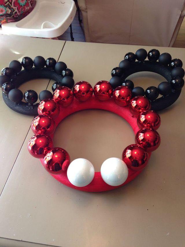 Ideas de decoracion para navidad con mickey mouse 35 for Adornos navidenos mickey mouse