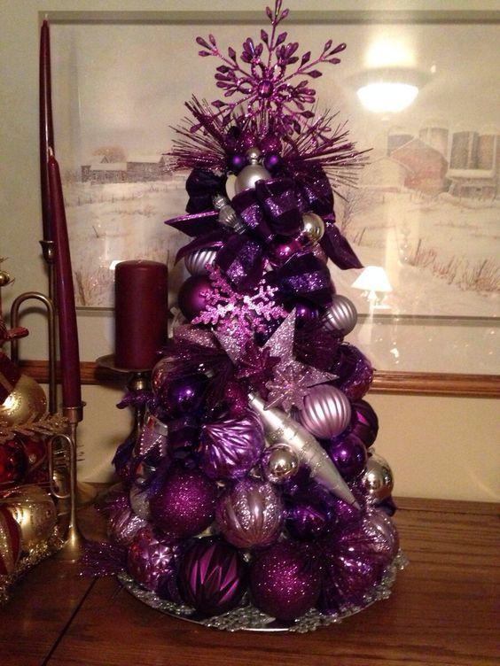 arbol de naviadad morado