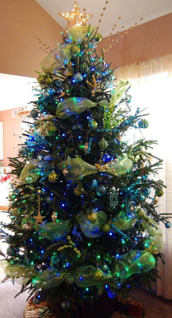 arbol de navidad azul con verde
