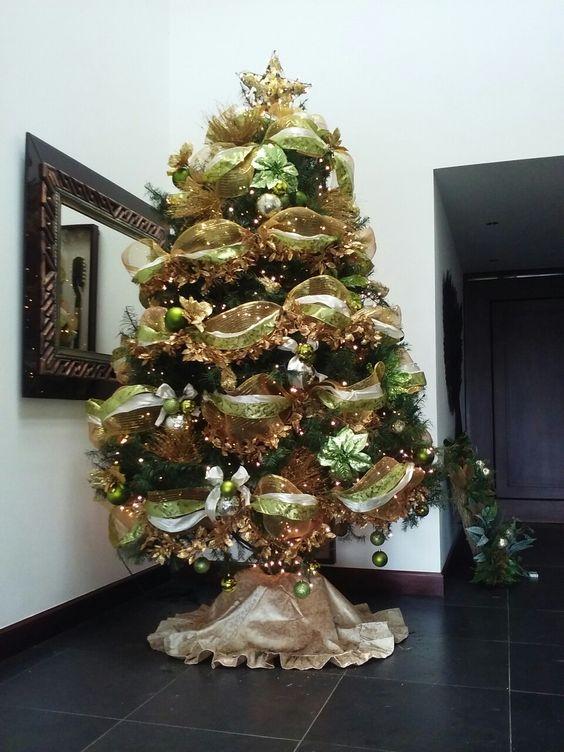 arbol de navidad dorado con verde