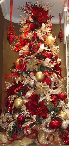 arbol de navidad dorado y rojo
