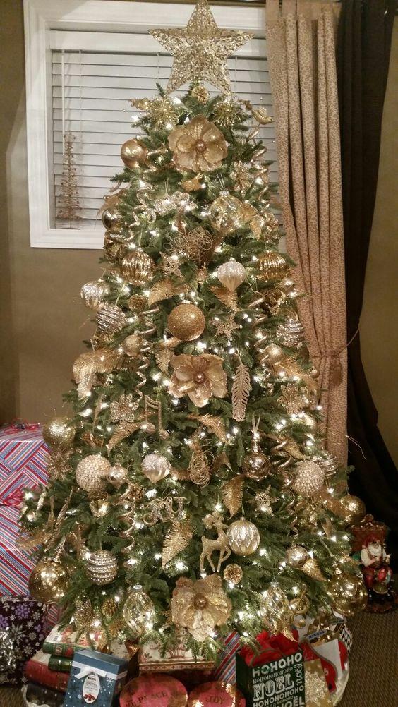 decoracion de arbol de navidad dorado