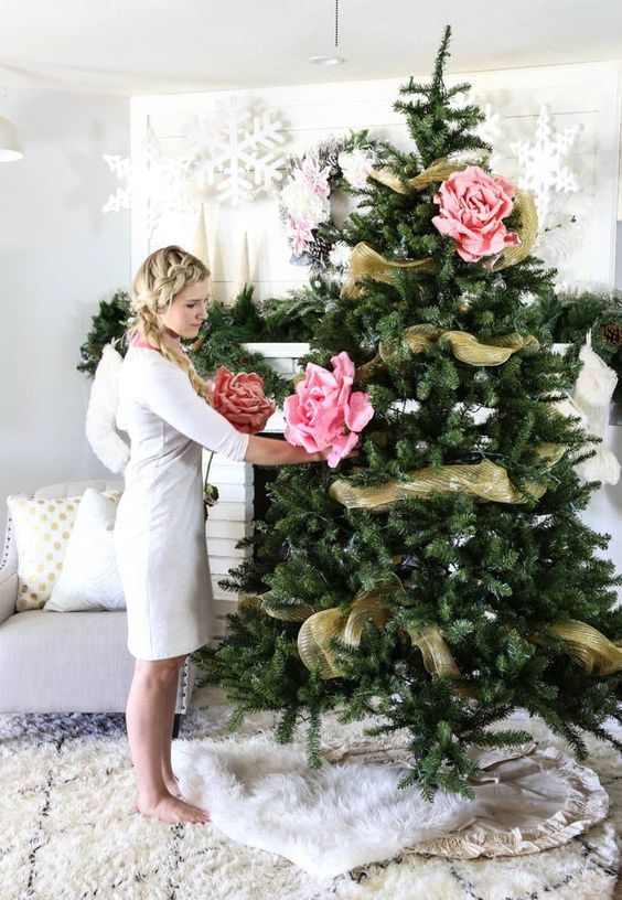 decoracion de arboles de navidad con rosas